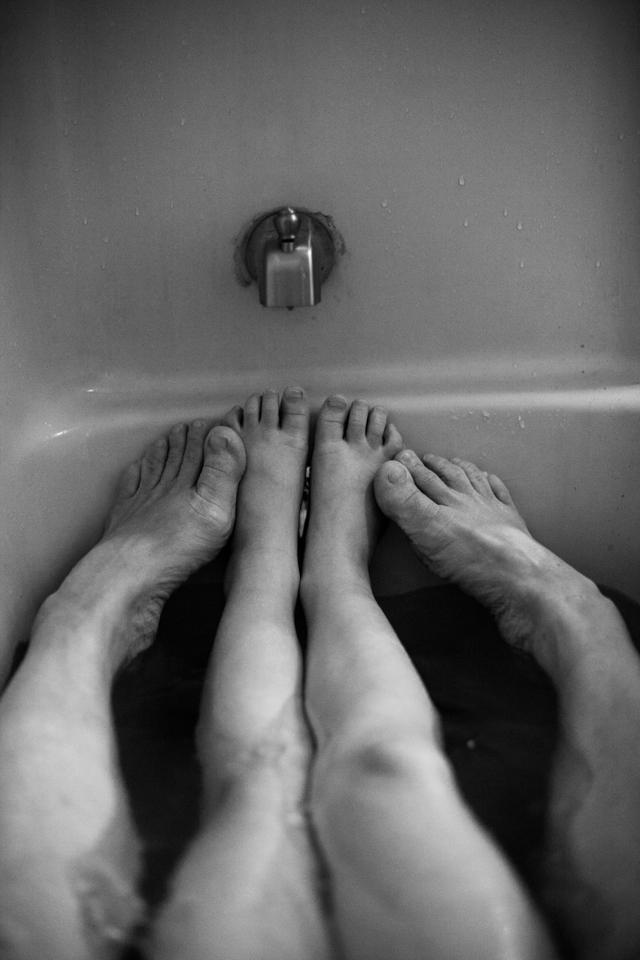 bath time feet